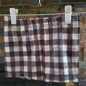 Checkered metallic short